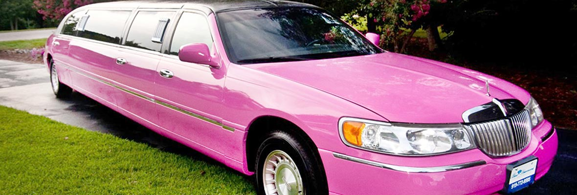 limusina lincoln rosa en málaga